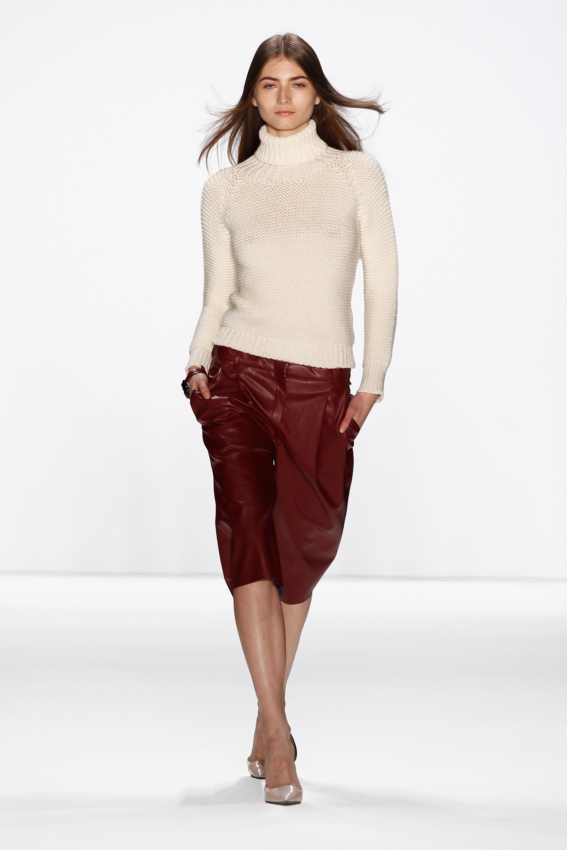 Hien Le Show - Mercedes-Benz Fashion Week Autumn/Winter 2014/15