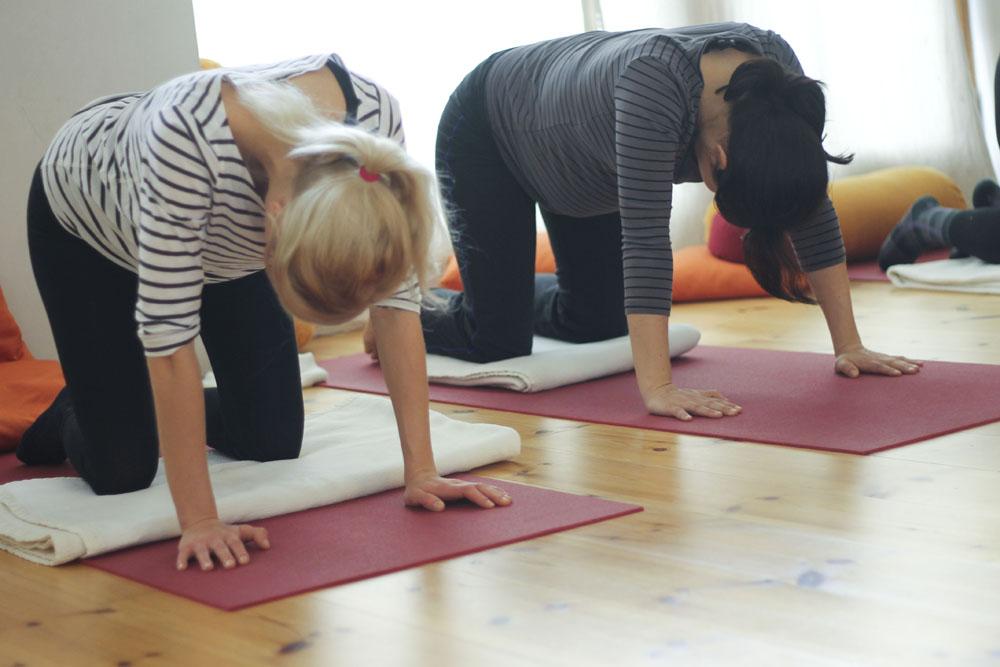 Zu Besuch Bei Prenatal Yoga In Berlin Prenzelauerberg Schwangerschafts Yoga Bei Yogalila