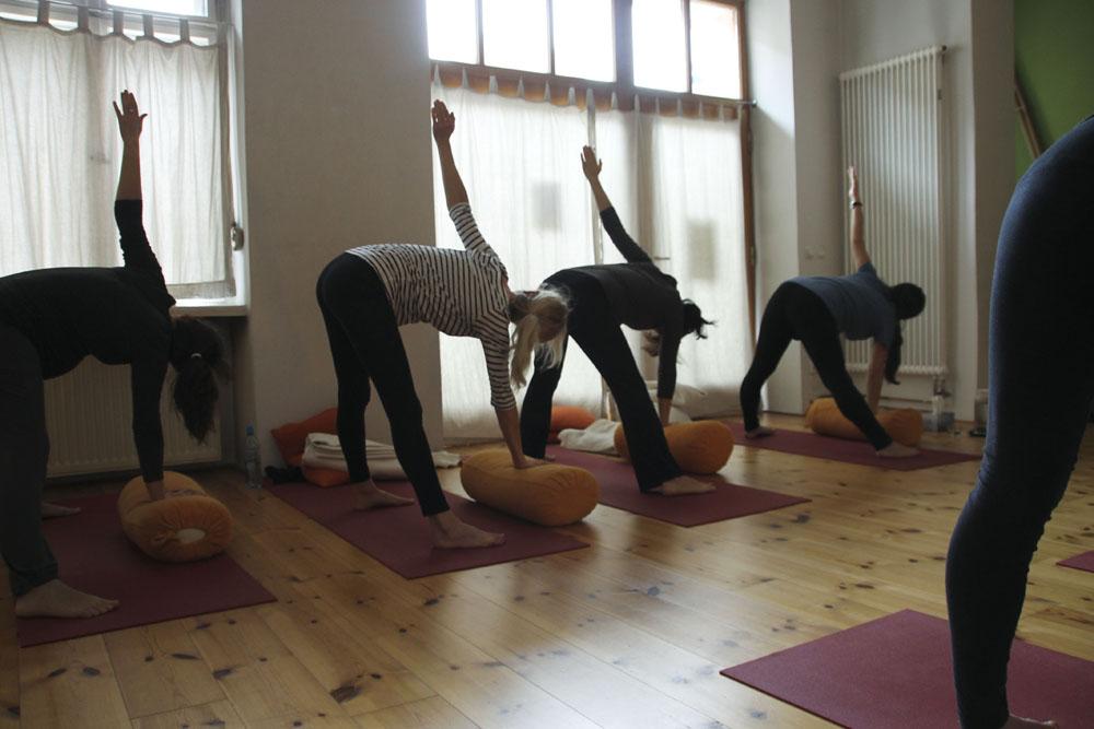 schangerschaftsyoga yogastudio yoga lila berlin prenzlauerberg mm1230