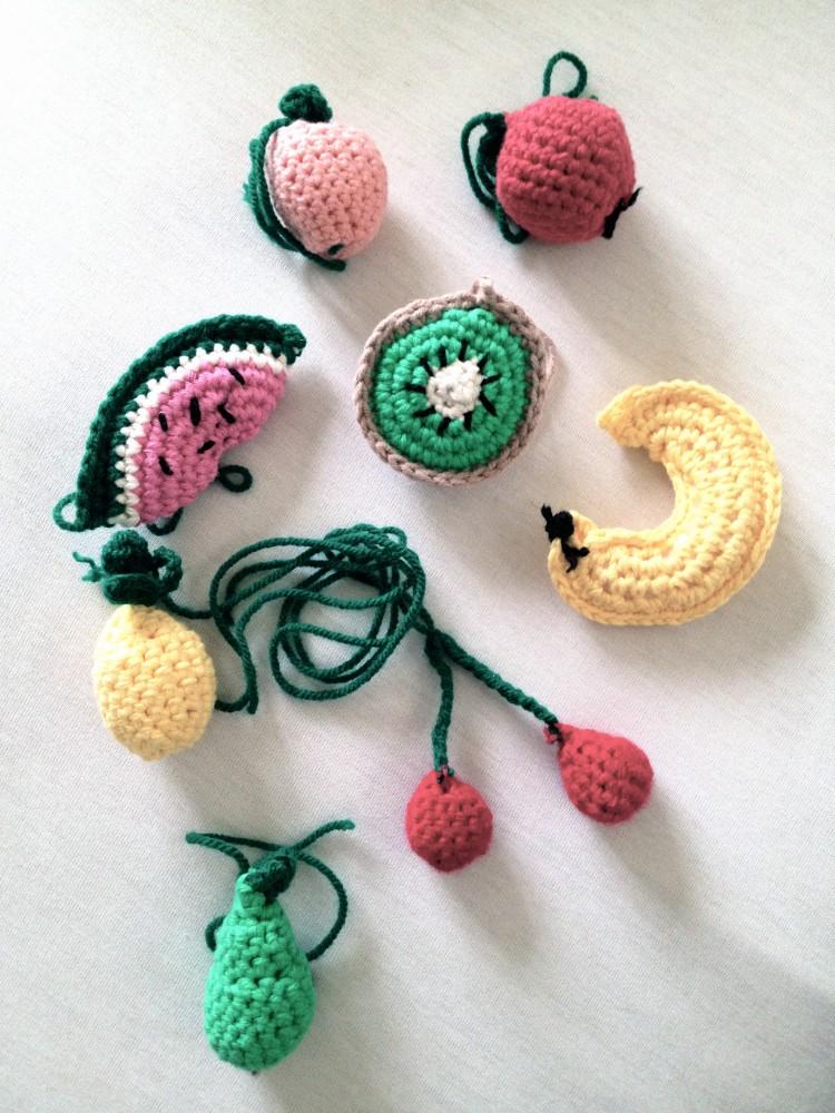 Tutti Frutti Kinderwagenkette / Crochet Fruit Chain