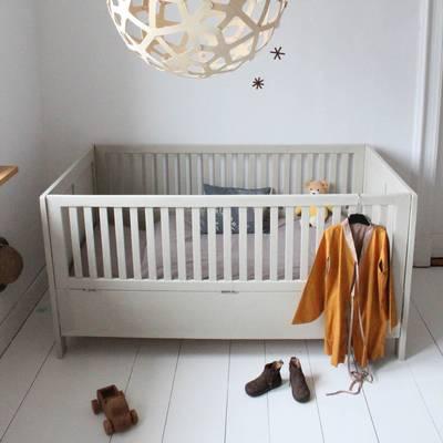 Mummy Mag_antikes Kinderbett Vintage