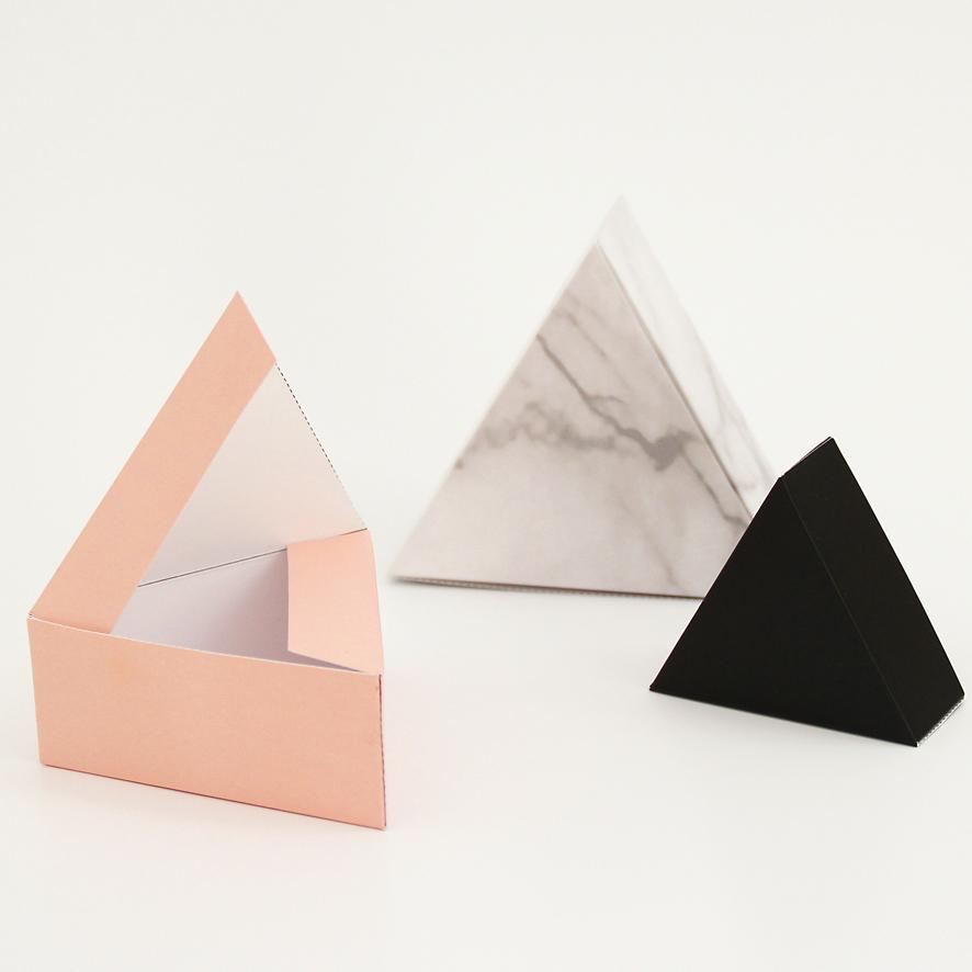 snug_triangle_03a