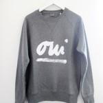 PETERSEN-Sweatshirt-Sweater-Oui-grau_1