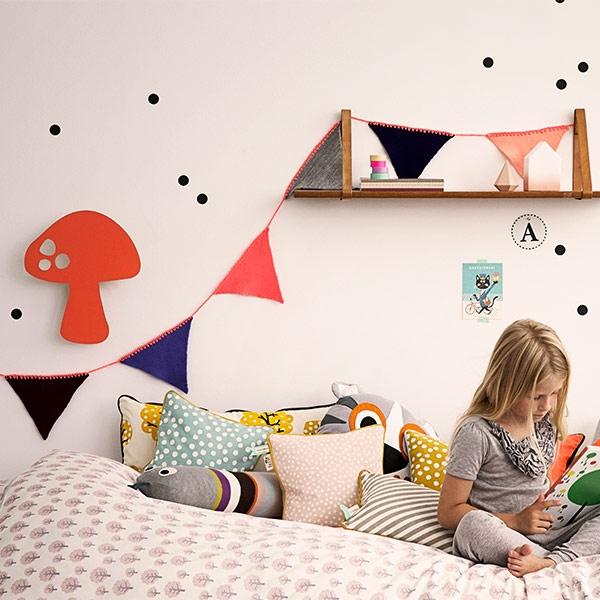 ferm 9034 wimpelkette happy flags peach von ferm living. Black Bedroom Furniture Sets. Home Design Ideas