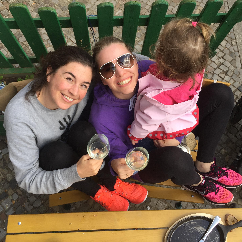 Auf Gute Elternschaft mit Janine und Madeleine von Mummy Mag
