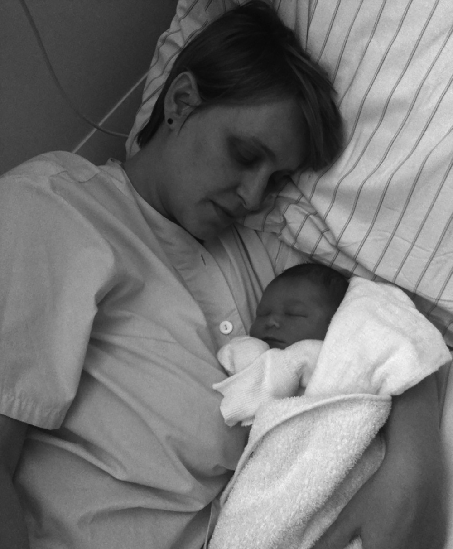 Rosa und Sohn Hugo nach der Geburt im Kreissaal