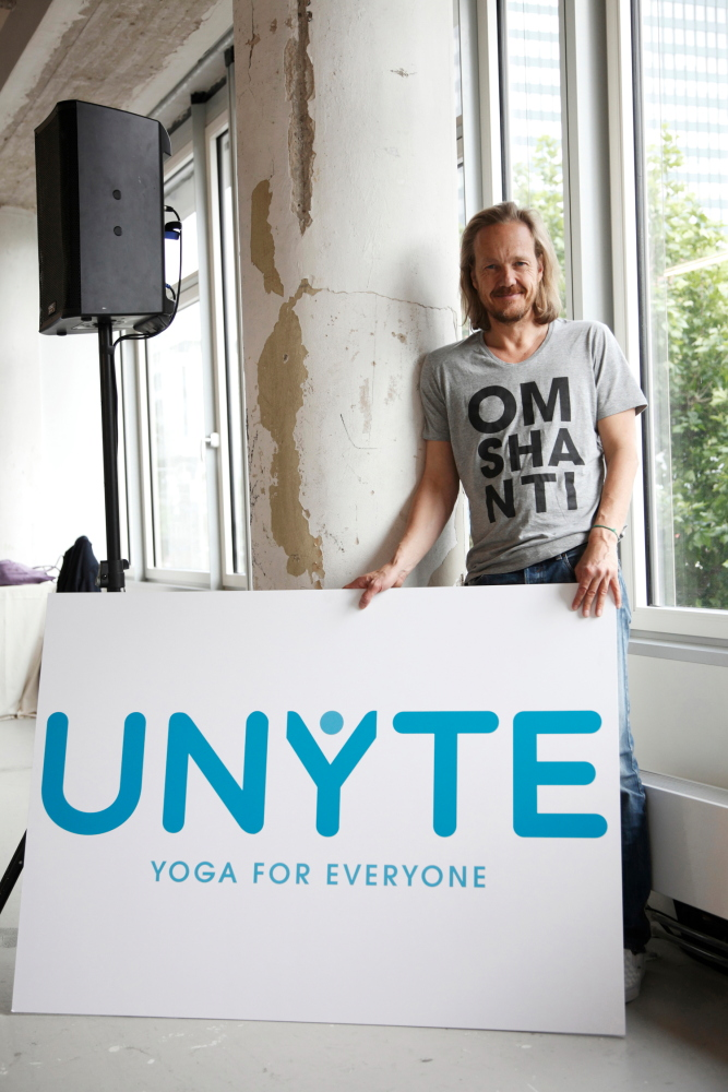 Patrick Broome beim Launch von UNYTE bei Mummy Mag