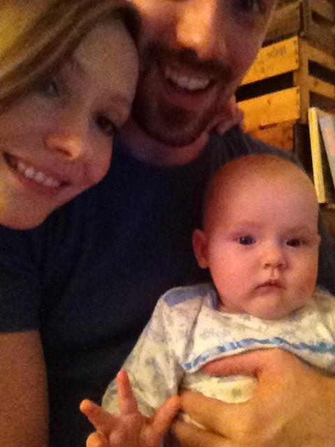 Rosa mit Happy Eltern Franzi und Roman bei The Day That auf Mummy Mag