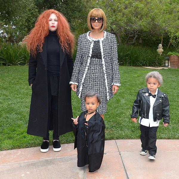 Kim Kardashians Anna Winter Halloween Kostüm auf Mummy Mag