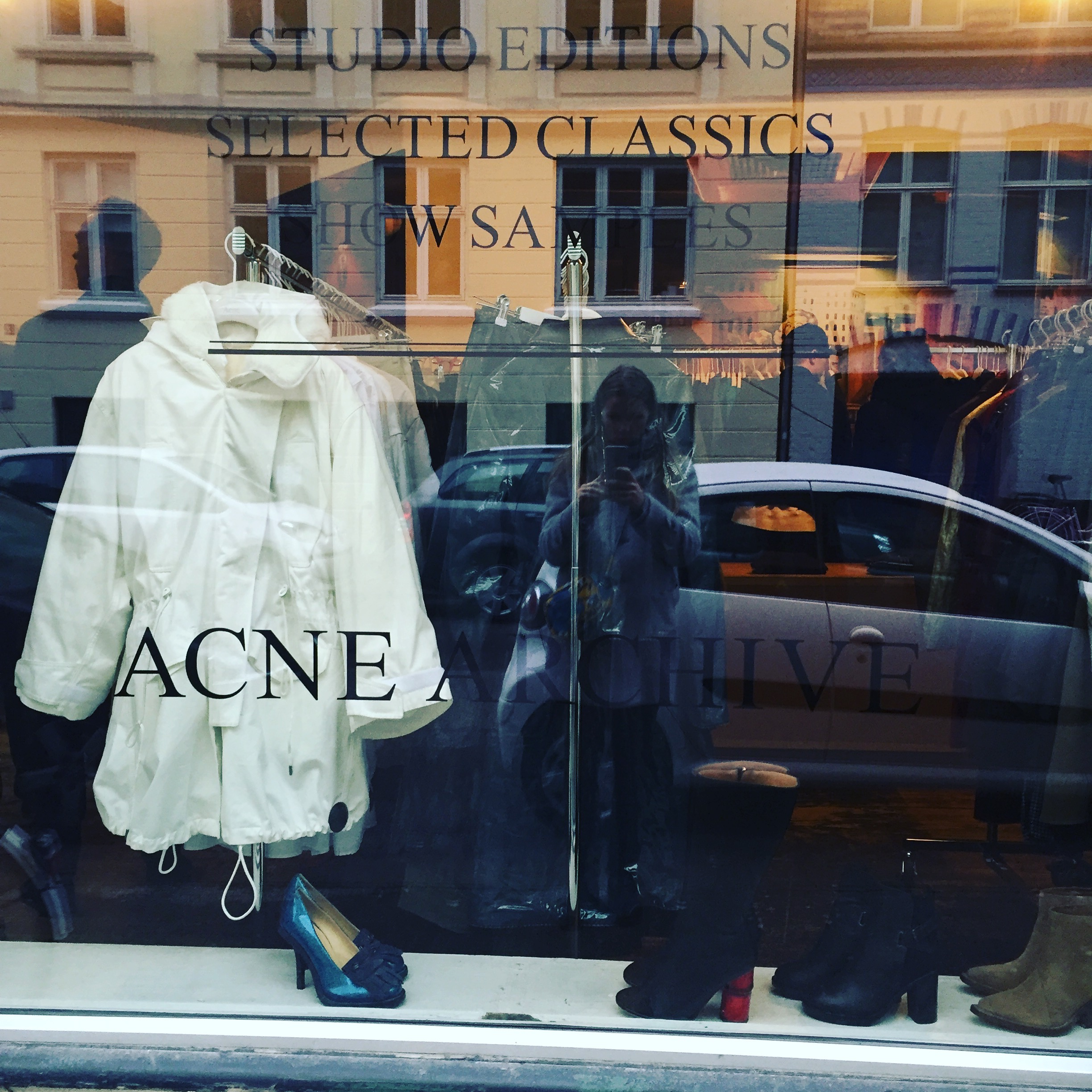 ACNE in Kopenhagen bei Mummy Mag