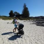Barbara_und Jan_Franzreb_travelwithkids_Neuseeland_Daddy_am_Meer