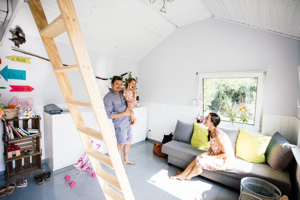 Camilla Rando mit Familie in ihrer Datsche_Mama Styleguide