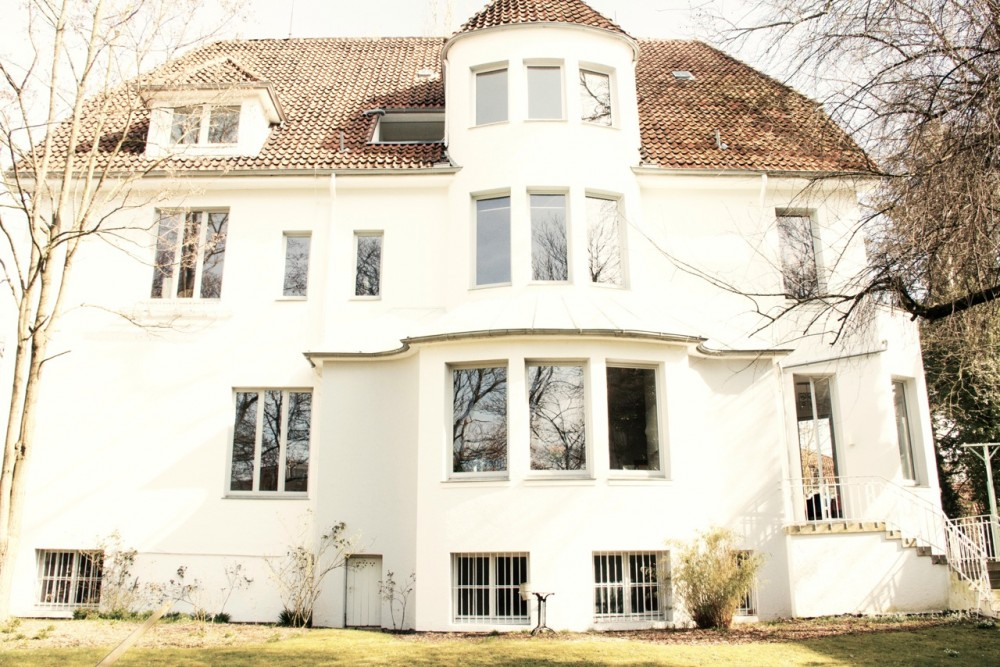 Zuhause_Knape_Krebs in Hannover_Wohnen in einer Galerie Haus