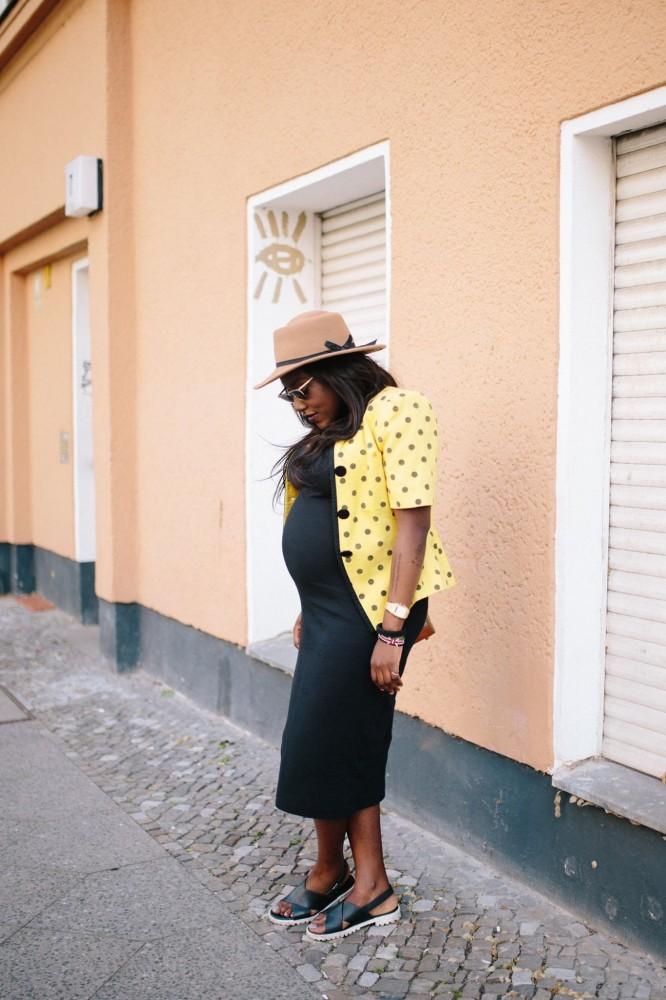 stylethebump Hut und Brille : Vintage, Kleid : H&M, Sandalen : Mango