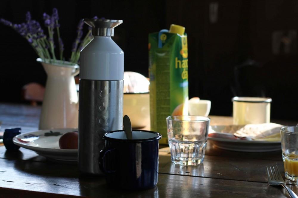 Dopper Flasche Wiesenbett_Dinserhof_Urlaub-auf-dem-Bauernhof-mit-Kindern_3691-1024x682