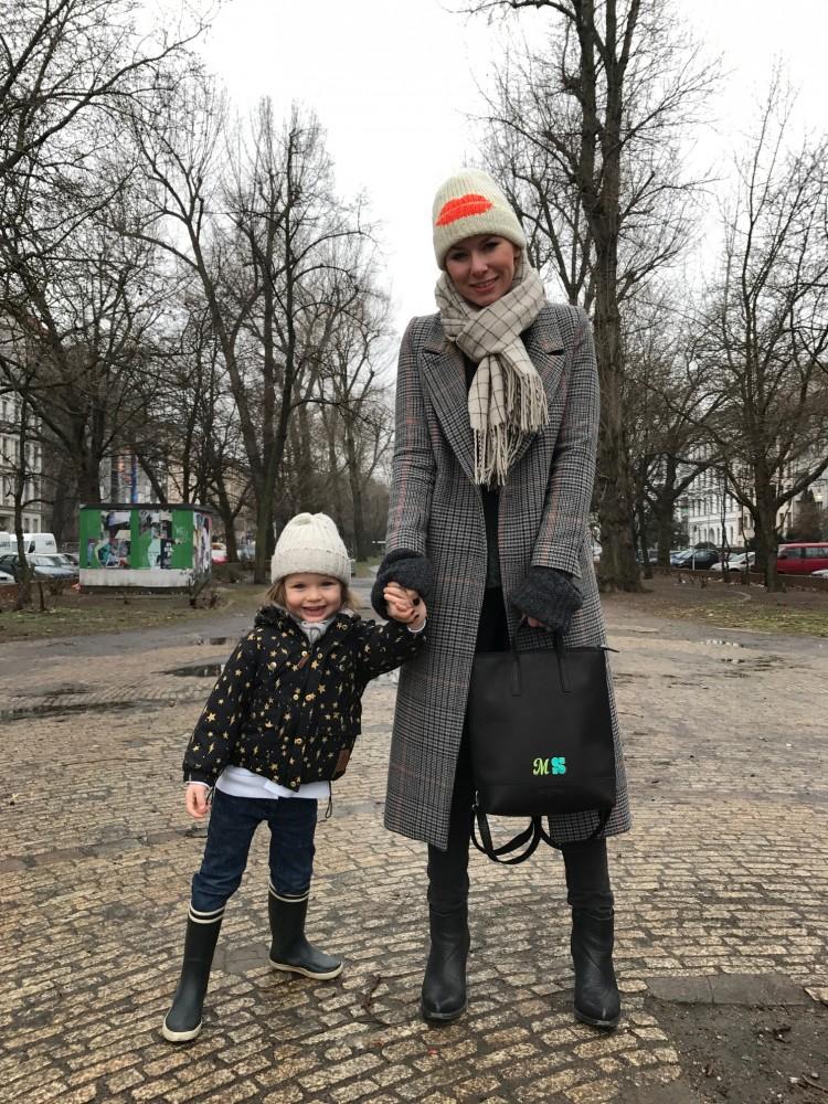Madeleine mit ihrer X-CHANGE BAG (3 IN 1) von JOST