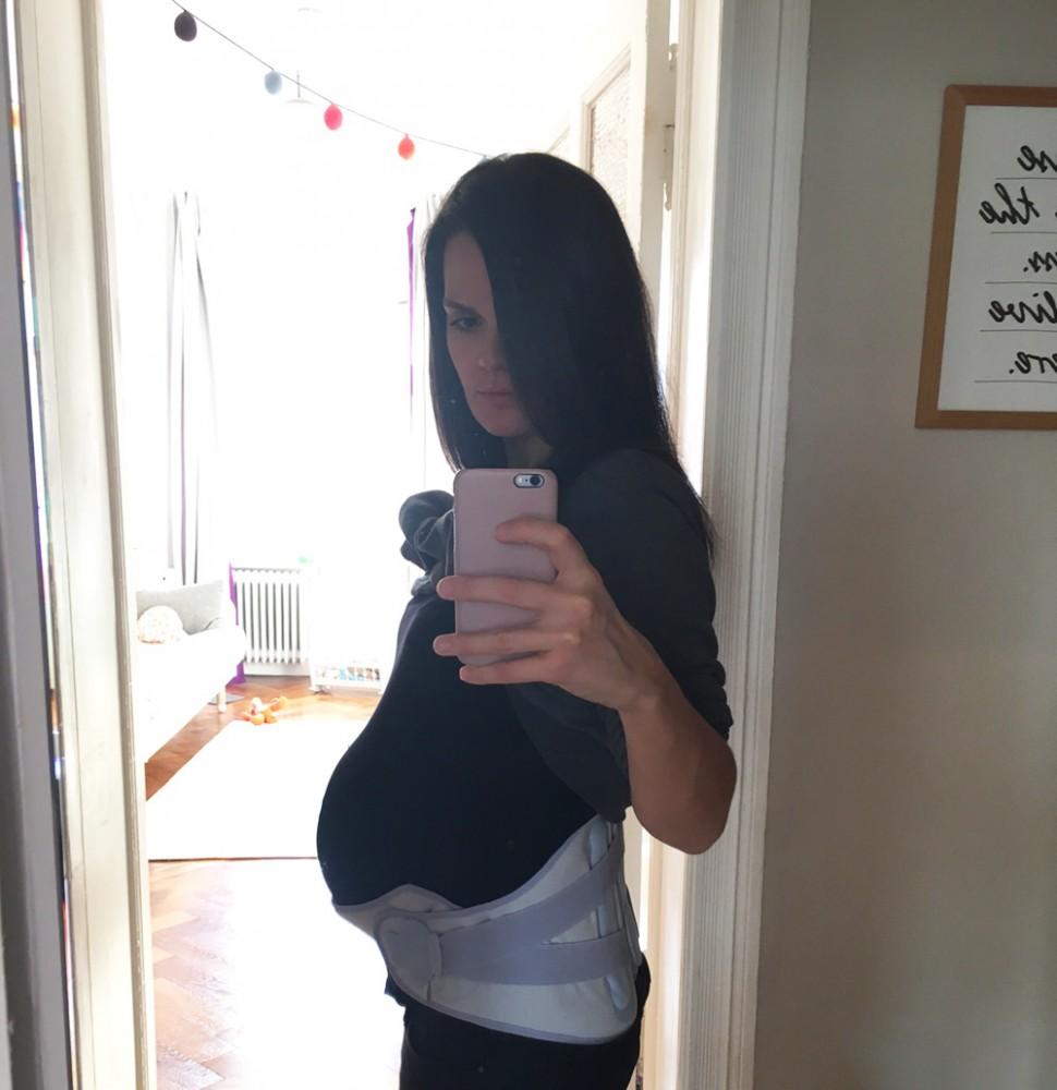 Was hilft bei Rückenschmerzen in der Schwangerschaft?