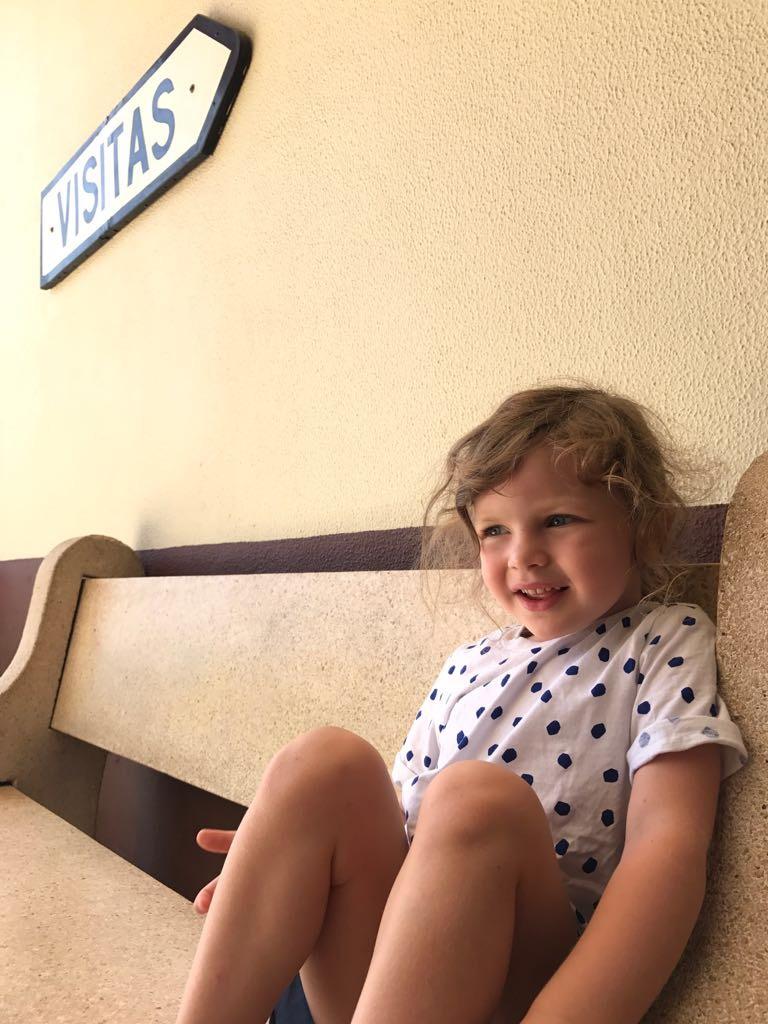 Izzy zu Besuch im portugiesischen Krankenhaus