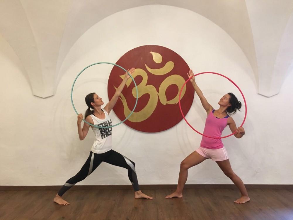 Hoola Hoop Yoga