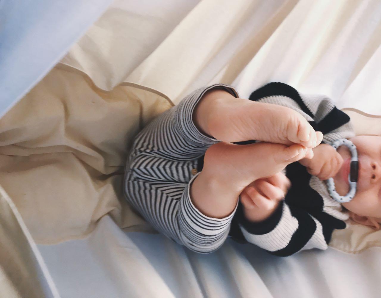 Was tun, wenn das Baby zahnt? <br> 5 Dinge, die ihr zu Hause habt