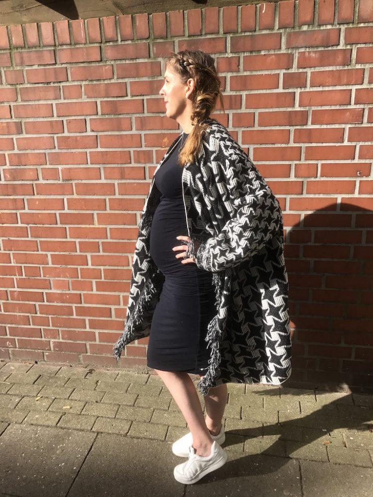Alexandra Holscher Tres Click