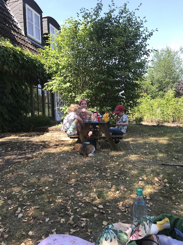 Kinder im Garten_0062