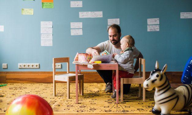 Arbeiten mit Kind <br> Was kann ich beim Gründen in der Elternzeit beachten