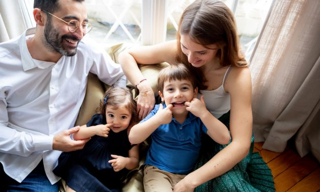 """GASTBEITRAG <br> """"French Parenting – The Art of not giving a shit"""""""