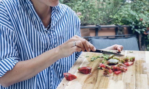 MUMMY KOCHT… <br> kalte Küche: Tomatensalat!