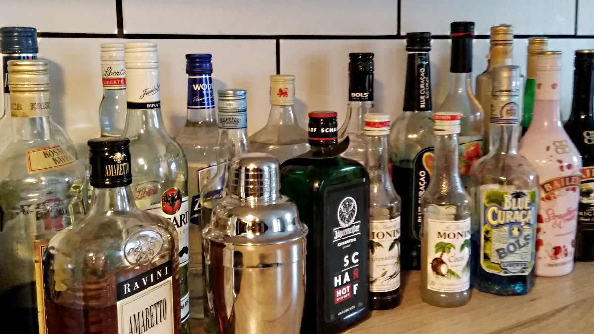 MUMMY MAG Party Bar