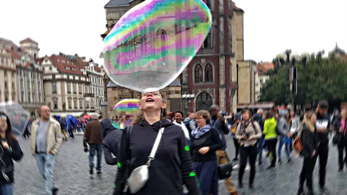MUMMY MAG Gedanken über das Denken Seifenblase
