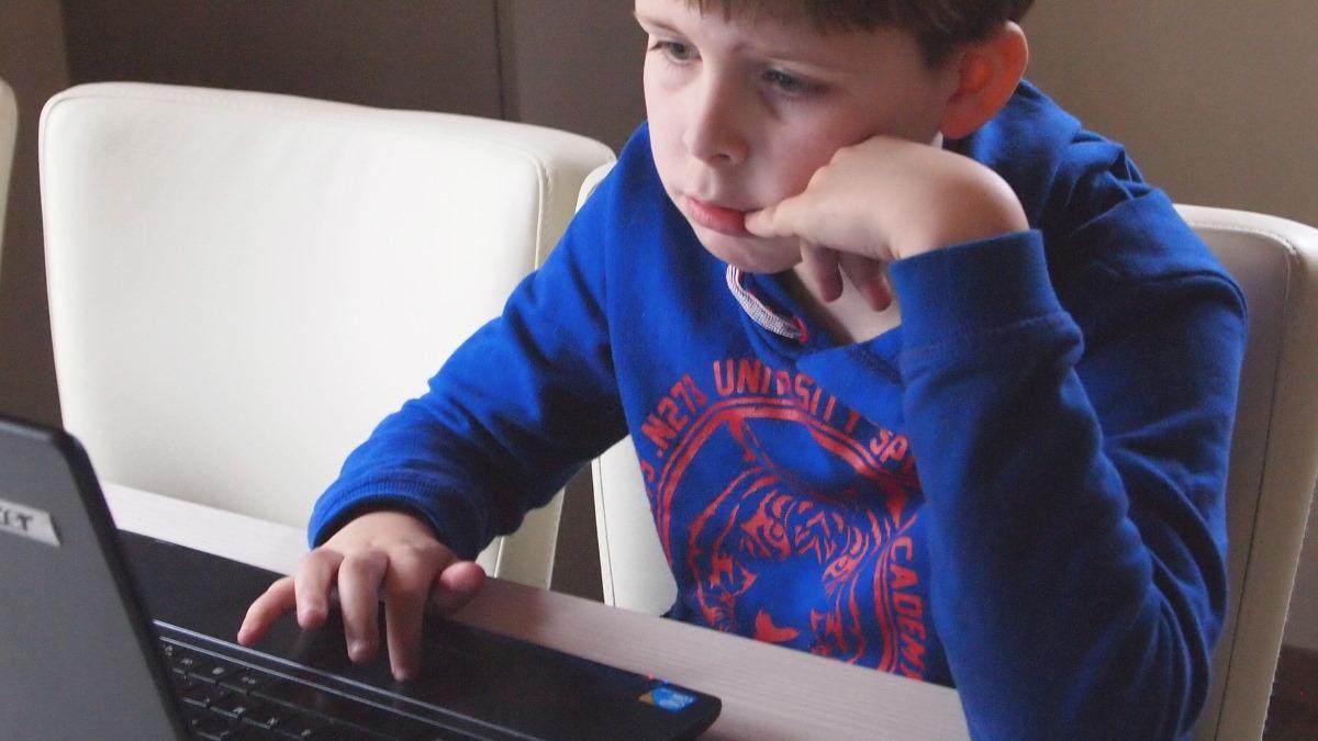 MUMMY MAG Überlebensstrategien Laptop