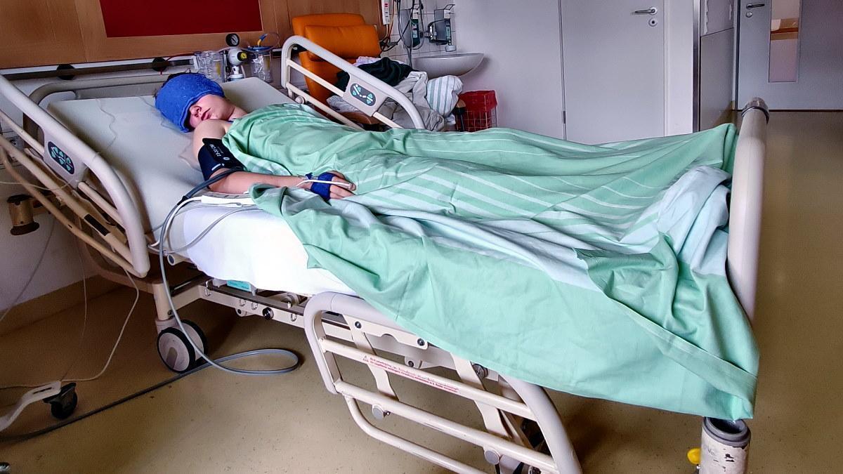 MUMMY MAG Herzgeschichte Krankenhausbett 3